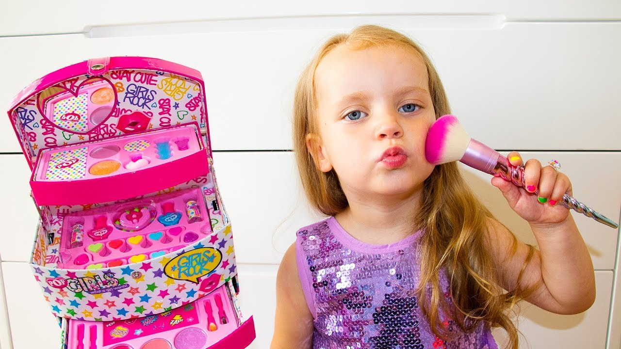 Gaby Pretend Play Dress Up & Kids Make Up Toys