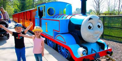 Gaby and Alex having Family Fun at Thomas and Friends Amusement Theme Park for kids