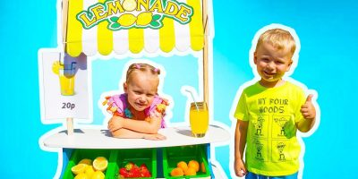 Gaby and Alex Pretend Play with Lemonade Stand