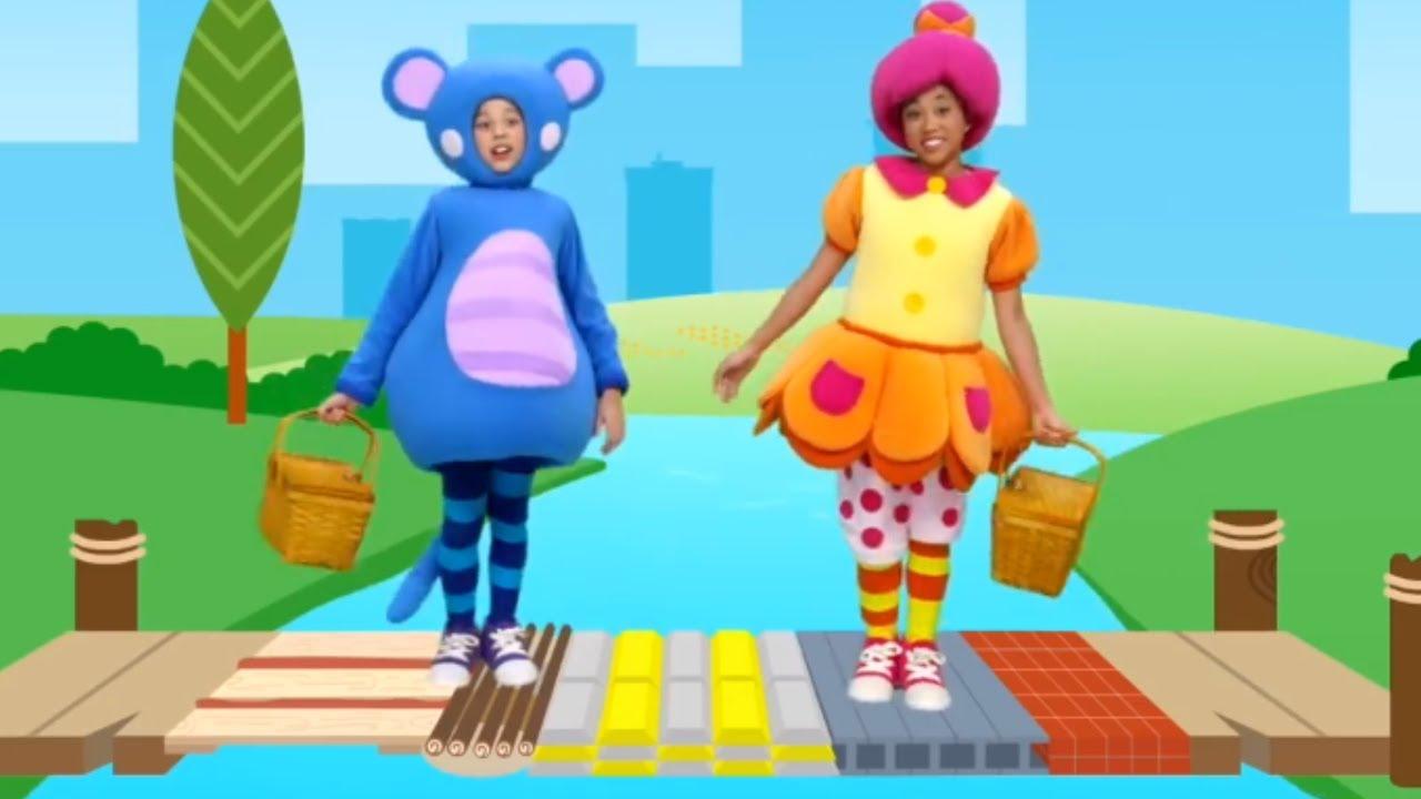 London Bridge is Falling Down | Nursery Rhymes from Mother Goose Club! Kids Play Video | Children