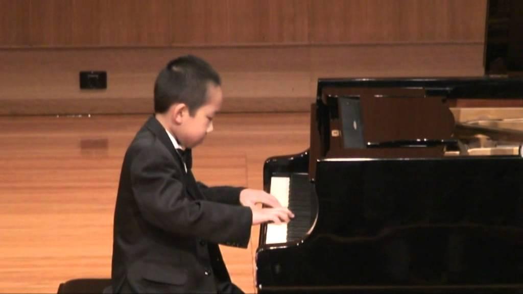 9 Yo pianist, Tai Fo Zhou Recital  – Twinkle Twinkle Little Star – Mozart