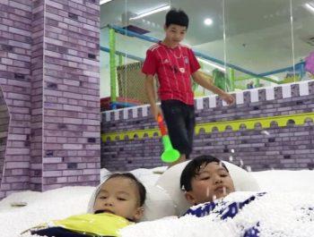 キッズフレンドプレイ 屋内遊び場 〜と 赤ちゃん 医者! Family Fun with nursery rhymes songs for babies, kids – ABCkidtv Misa